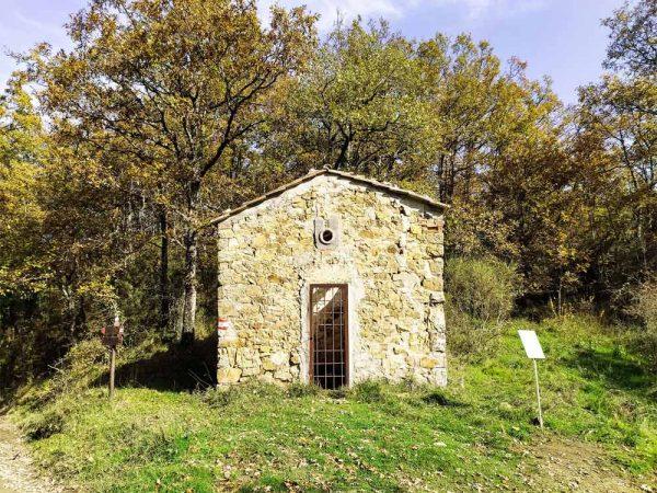 monte scalari cappella dei boschi sul sentiero della memoria