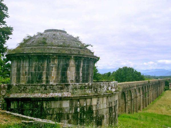 cisterna e l'acquedotto nottolini a lucca