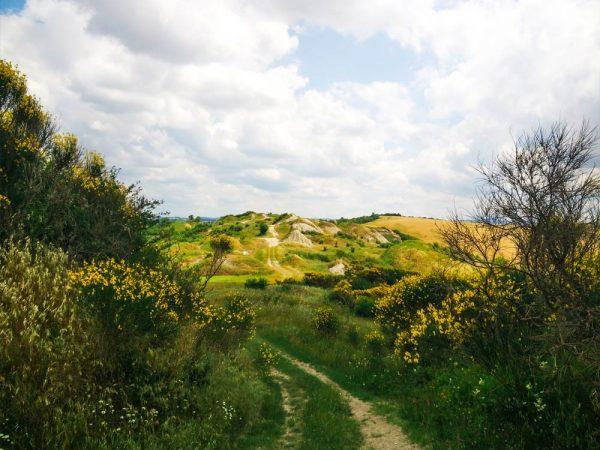 sentiero verso le biancane di leonina