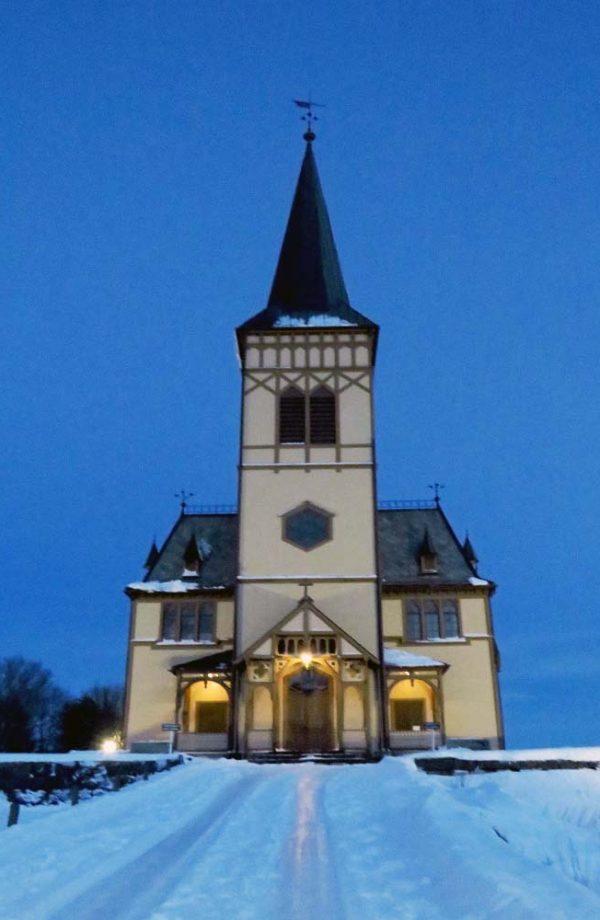 facciata chiesa a kabelvag