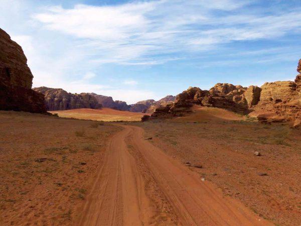 paesaggio deserto wadi rum giordania